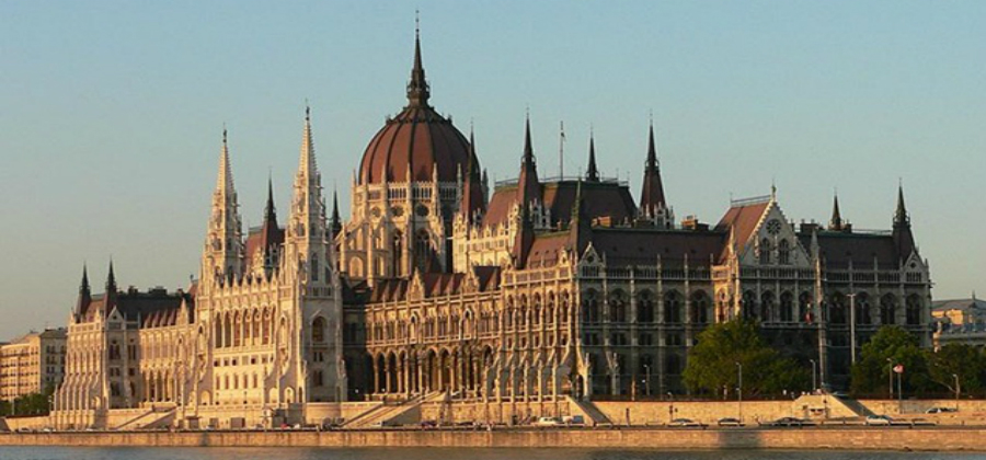 ARCHITECT WANTED FOR BUDAPEST REGENERATION